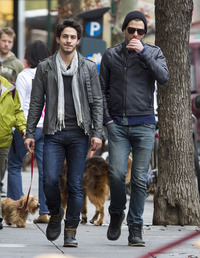 boyfriend gay sex zachary quinto walking mystery man but its probably his boyfriend someone lots butt look theyre laughing together thats gay code blowjobs forever boyfriends