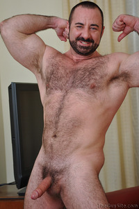 gay bears sex Pics tgs hairy bear daddy from outpersonals