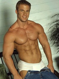 gay bodybuilder porn filgge mark dalton shows one looks good body fat
