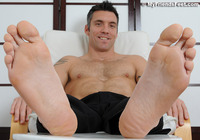gay foot sex luwoneze male feet escort