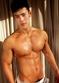 gay hunk men asian hunks sexy chinese male model notes muscle men gay