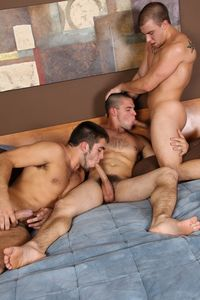 gay men sucking cock pics young straight muscle hunks darius eli solomon suck cock fuck bareback gay threeway chaos men pic