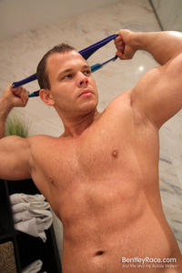gay muscle bear porn gallery muscle bear dennis