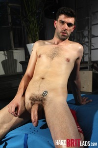 gay porn a tom long shows off solo gay porn hard brit lads who would rather scruffy newcomer beardy