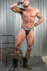 giant muscle men troy stevens muscle giant from manifest men