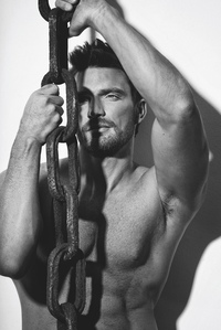 hot pics of men apr julian gil