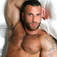 Italian muscle men gianluigi menatplay stunner man
