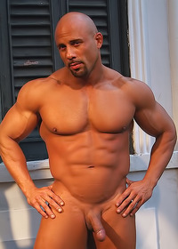 men hunk muscle liked techandmuscle