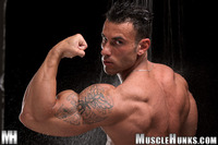 men muscle hunks musclehunks gianluigi volti every inch perfect man muscle hunks