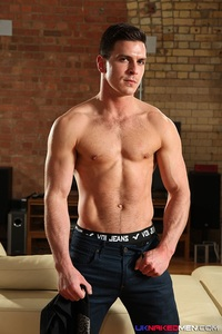 muscle gay porn gallery paddy obrian ripped muscle bodybuilder strips naked strokes his hard cock men photo copia