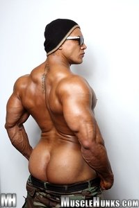 muscle men hunk wade trent ultimate muscle bodybuilder nude hunks ripped strips naked strokes his hard cock torrent photo young tattooed hunk more men bodybuilders