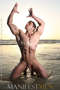 muscle nude pics