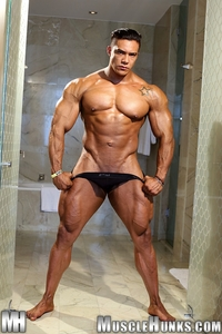 muscles hunks wade trent ultimate muscle bodybuilder nude hunks ripped strips naked strokes his hard cock torrent photo