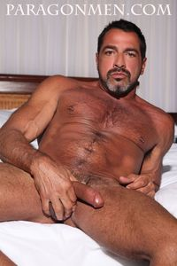naked men huge cock muscle daddy real man joe bruno strips naked jacks off his cock greg weiner paragon men pic