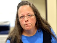 sex gay anti gay marriage kentucky clerk jailed refusing issue same licenses kim davis prepared jail