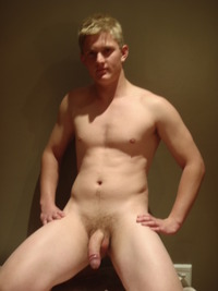 straight naked male hot naked guys
